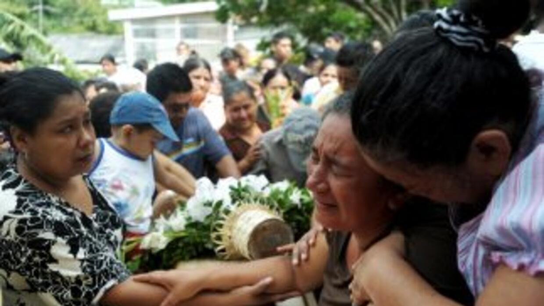 La violencia en El Salvador se atribuye en mucho a las pandillas.