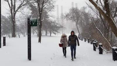 Una atípica tormenta de nieve afecta el centro y el norte de Estados Unidos en primavera