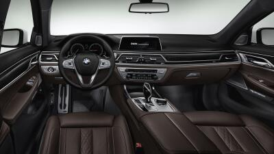 Interior del BMW Serie 7 con BMW Connected Drive