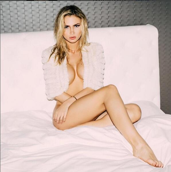 Ela es una de las mujeres más bellas y espectaculares de Suecia y es con...
