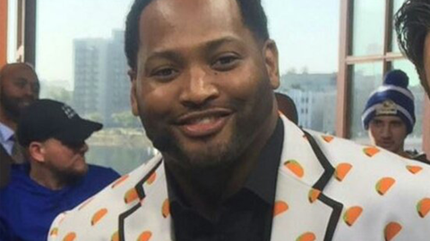 Robert Horry wearing a taco jacket