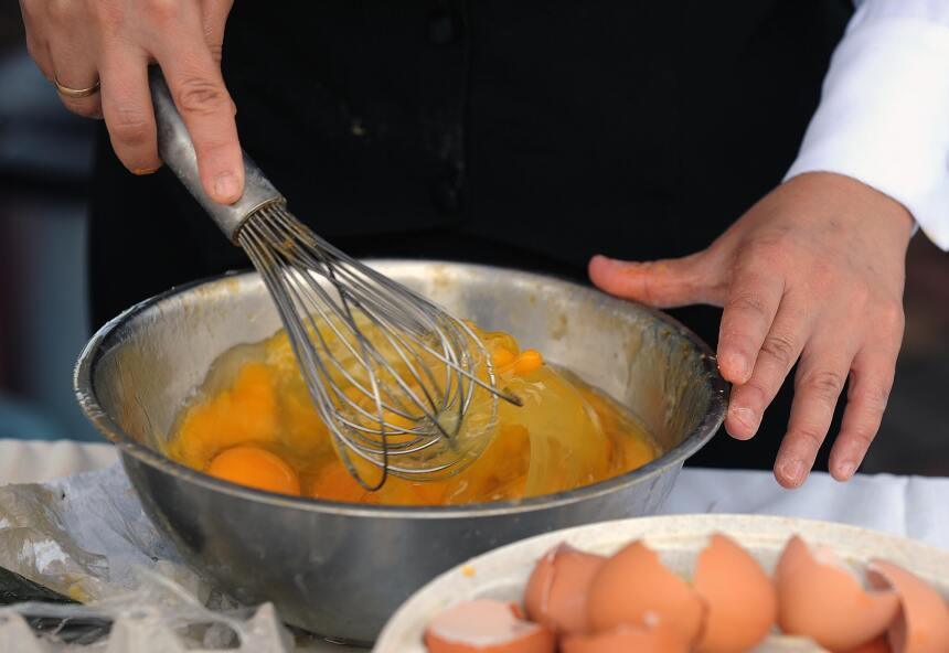 Para completar el desayuno, ¿qué tal un delicioso omelette? Podrías pedi...