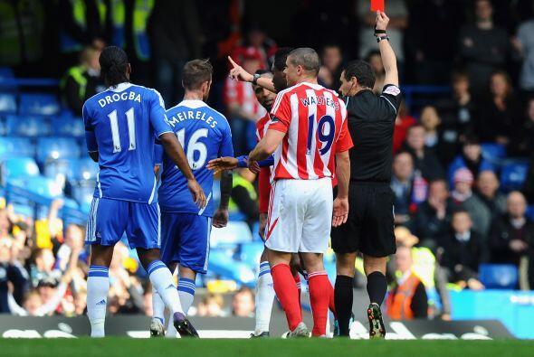 Mientras que el Stoke se quedó con un 10 jugadores por la expulsión de R...