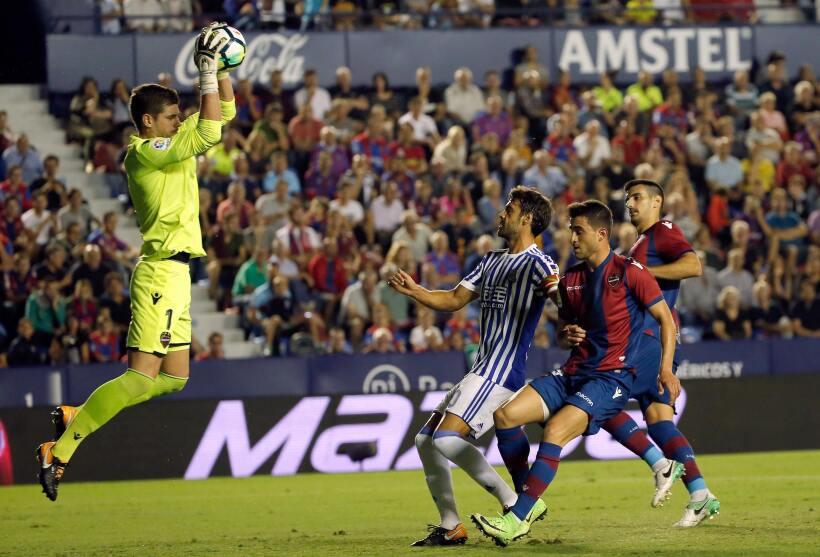 Real Sociedad y Carlos Vela fueron goleados por el Levante 6364163013580...