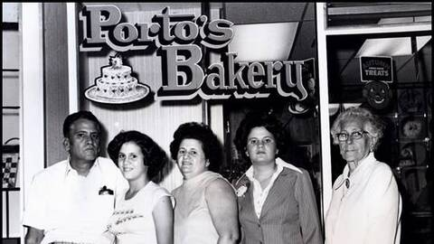 Raúl, Margarita, Rosa, Betty y Dolores Porto.