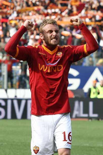 Pero lo más importante es que Roma le quitó el liderato de la Liga itali...