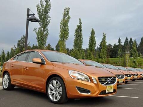 Volvo decidió renovar su sedán S60 y para 2011 llega con u...