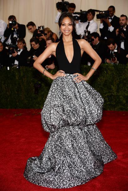 Por mucho que sea un Michael Kors, el vestido de Zoe Saldana parecía una...