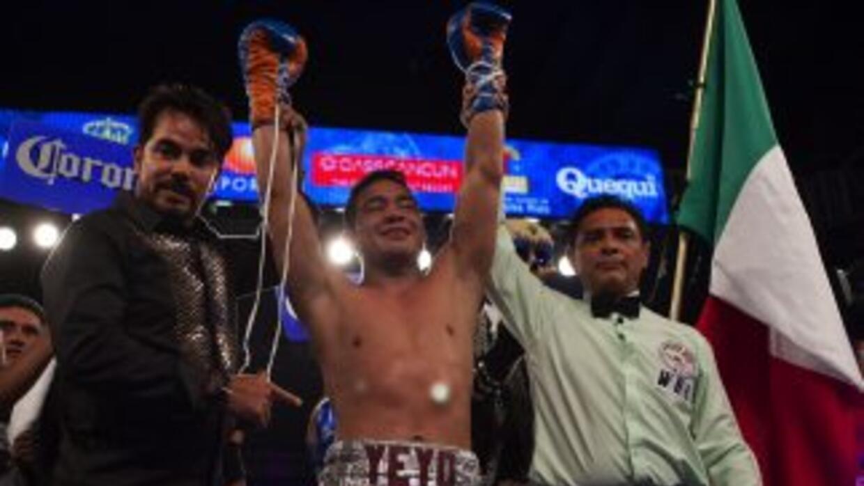 Sergio 'Thompson venció a César Chávez.