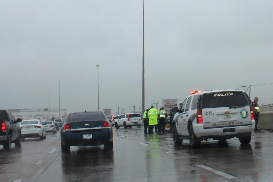 Segundo día gris y lluvioso en Houston Clima_severo_Houston8.jpg