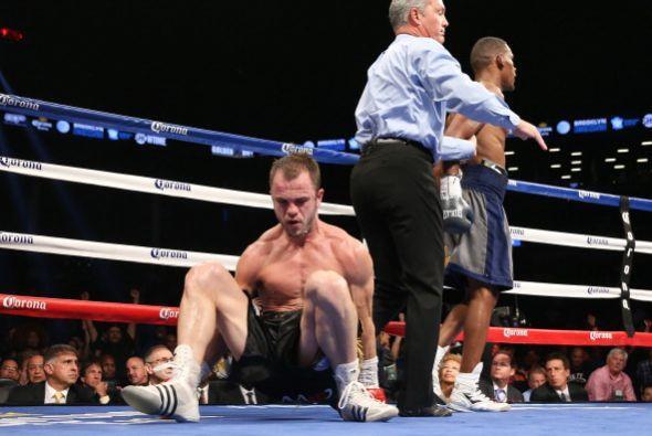 Jacobs envió al tapiz en el primer round a Fletcher.