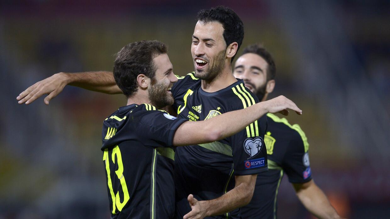 Juan Mata marcó el fortuito gol con el que España ganó a domicilio.