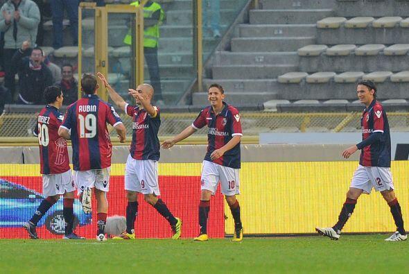 El experimentado goleador Marco Di Vaio fue el héroe del duelo al marcar...
