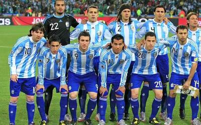 La Argentina que eliminó a México en el Mundial 2010 habría tenido tres...