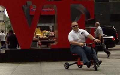 Un peruano inventa la escúter ligera para discapacitados