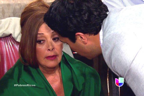 Y si de interesadas hablamos, Ana Sofía de Qué Pobres Tan Ricos pelea el...