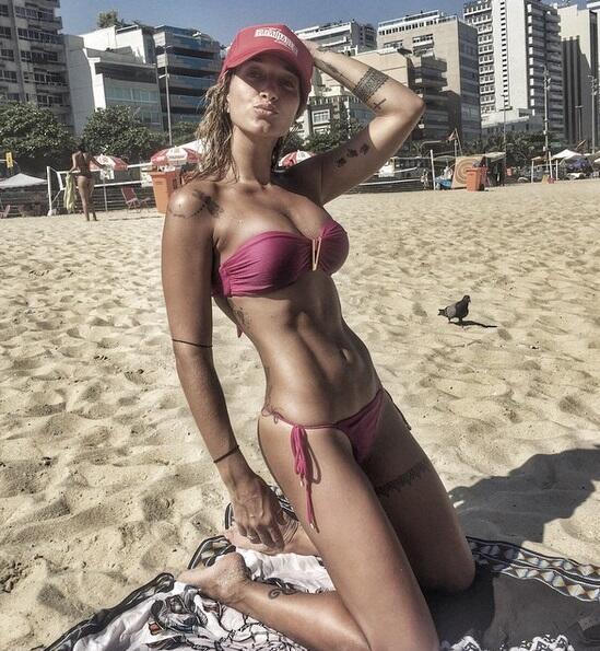 Gabriela es una joven brasileña que es considerada una de las muj...