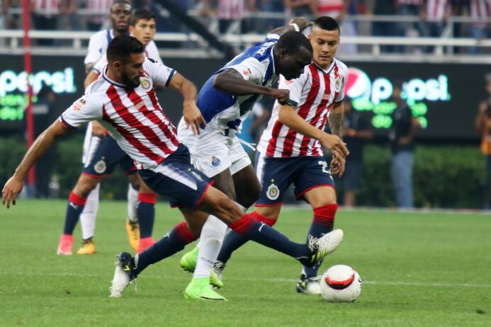Chivas y Porto empatan con polémico final 20170719_4591.jpg