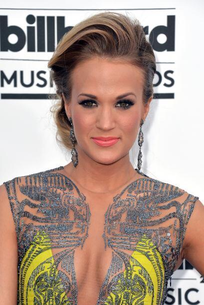 Carrie Underwood Mira aquí lo último en chismes.
