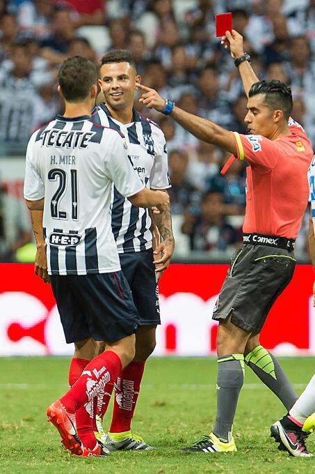 'Gullit' Peña y Edwin Cardona, entre los Villanos de la Jornada 1 del A2016