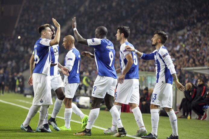 En fotos: Porto clasificó a octavos de final con triunfo contundente con...