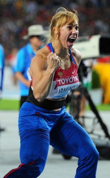 Maria Abakumova emergió con su poderoso físico para, con un mejor lanzam...