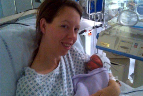 Esta mujer y su pequeño bebé se han recuperado por complet...