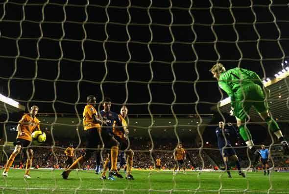 Tres goles metió el Wolverhampton en su partido ante el Arsenal, pero 2...