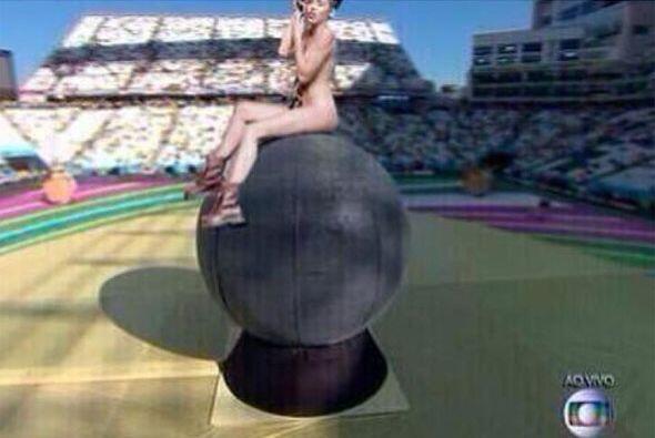 ¡Miley haciendo su triunfal entrada! Todo sobre el Mundial de Brasil 2014.