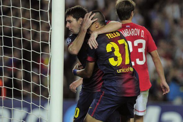 El argentino felicitó a Tello, quien fue el encargado de darle esa asist...