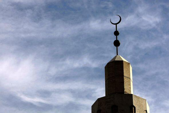 Los Suni son la mayoría entre los 1,500 millones de musulmanes en el mun...