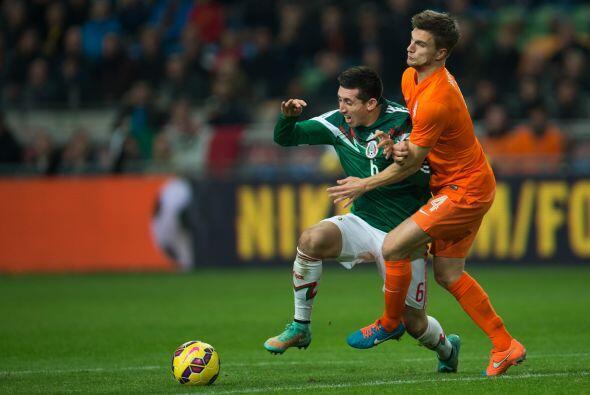 6 Héctor Herrera: Otro de gran juego. Ya es una costumbre que el futboli...