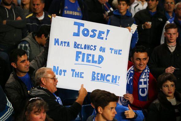La afición de los 'Blues' le pedía a José Mourinho que no deje en la ban...
