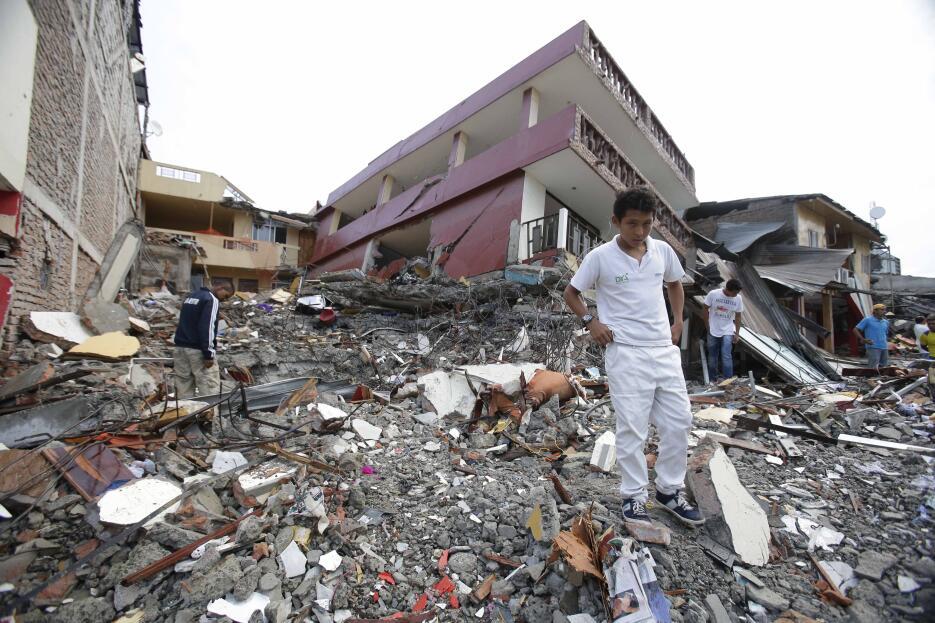 Las imágenes que nos deja el potente terremoto en Ecuador  Ecuador%20Ear...