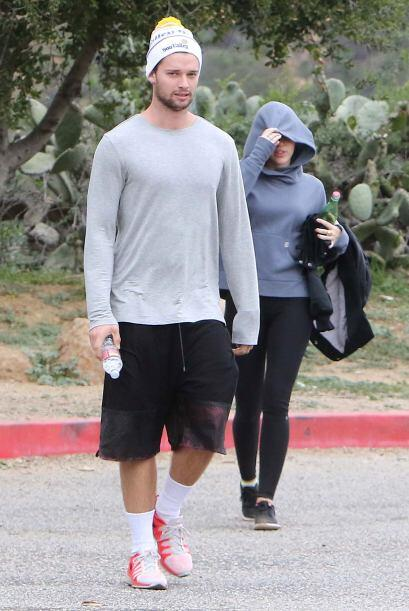 Miley y Patrick terminaron agotados de tanto caminar.