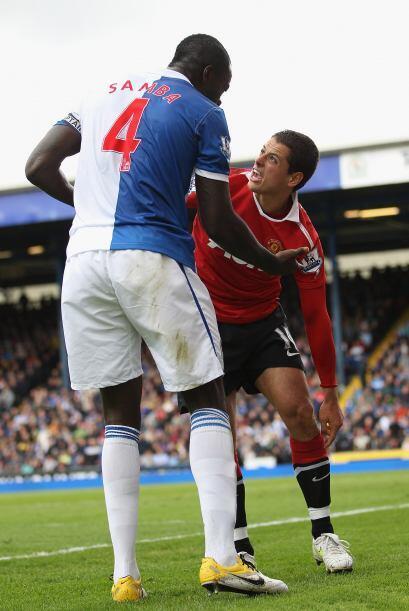 Javier Hernández jugó con muchas ganas y fue una pesadilla...
