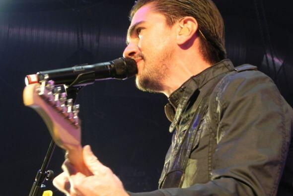 Juanes se presentó ayer por la noche en el State Farm Arena de Hidalgo,...