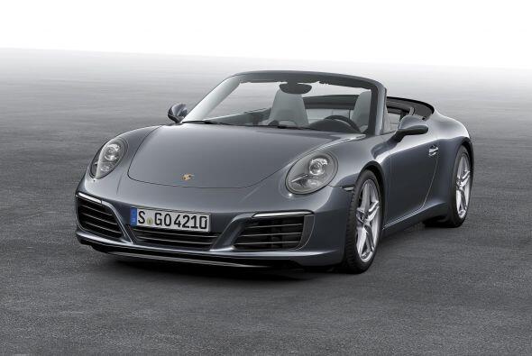El Porsche 911 Carrera 2017 debuta públicamente en el salón del Automóvi...