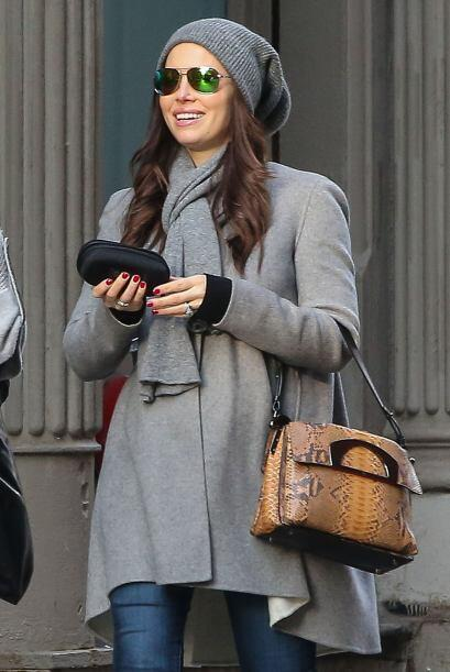 """Jessica sigue presumiendo su pancita de """"no-embarazo""""."""