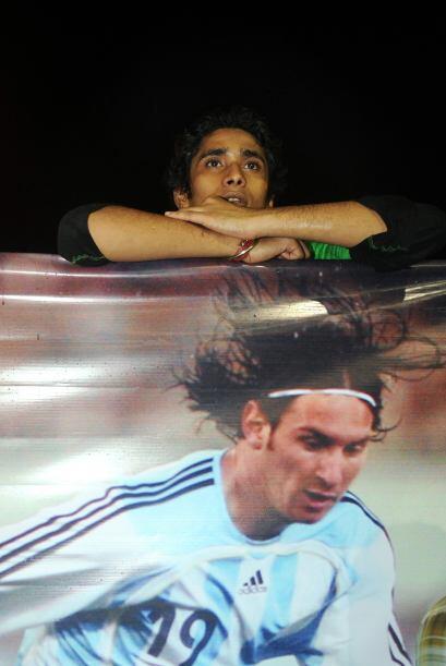 Se vieron muchas banderas, camisetas y hasta fotos gigantes del jugador...