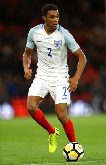 9. Trent Alexander-Arnold - Defensa (Inglaterra - Liverpool F.C.)