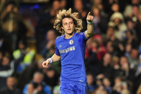 A ese gol le siguió un cañonazo de David Luiz en tiro libre para el 2-0.