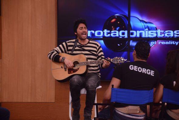 El cantante chileno habló de sus inicios en la industria y c&oacu...