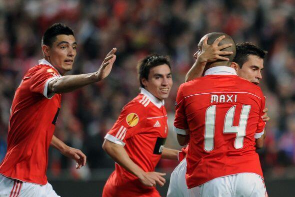 Hasta que Maximiliano Pereira y Franco Jara marcaron los goles para que...