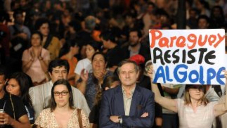Varios analistas advirtieron de la debilidad de la democracia en Paraguay.