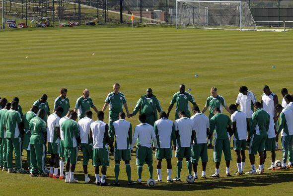 La selección de Nigeria reza en cada entrenamiento. Es un ritual y una c...
