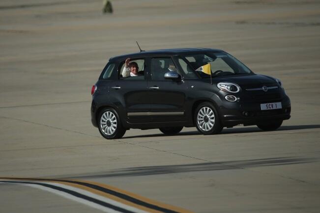Fiat 500L utilizado por el Papa Francisco en su viaje a Nueva York en 2015.