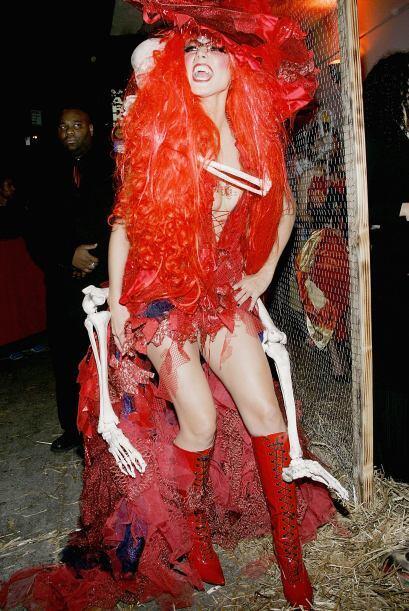 Enseñando pierna y un escote que no dejaba nada a la imaginación, Heidi...