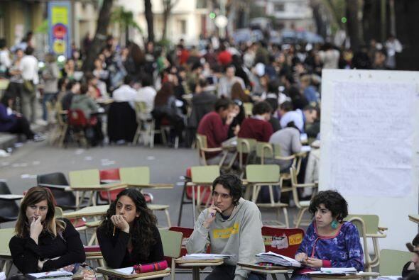 Los universitarios tomaron la sede de la Facultad de Filosofía y Letras...