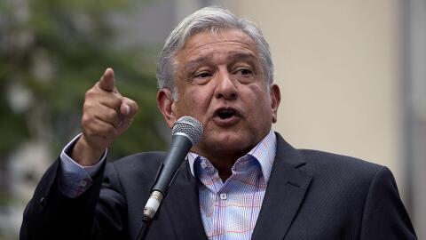 El candidato presidencial mexicano Andrés Manuel López Obr...